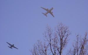 空中給油機と輸送機 2/23 日進市北小学校上空