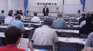 記念講演する池住さん 7/18 民主会館
